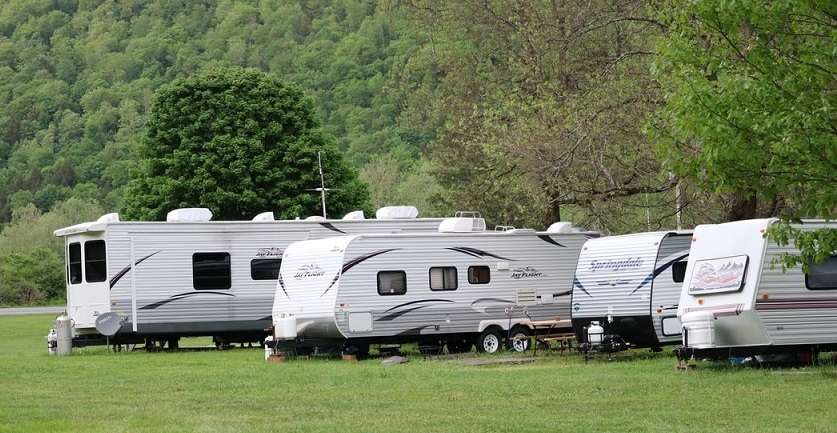 How to Prepare Caravan for Camping during Spring Season?